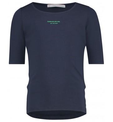 Penn & Ink t-shirt met groene tekst in de kleur donkerblauw