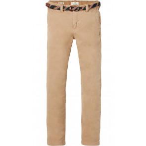 Scotch Shrunk chino broek met gekleurd riempje in de kleur zand
