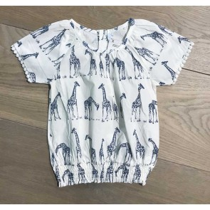 Smile today blouse met print van giraffen in de kleur wit