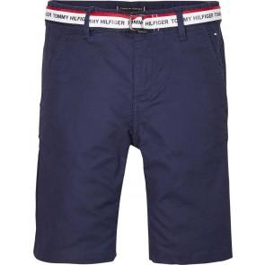 Tommy Hilfiger korte broek met logo riem in de kleur donkerblauw