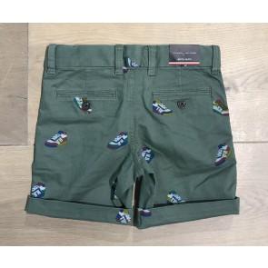 Tommy Hilfiger korte broek printed chino sneakers in de kleur thyme green groen