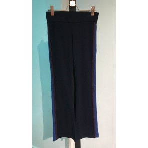 The new flair flared yoga pants in de kleur donkerblauw