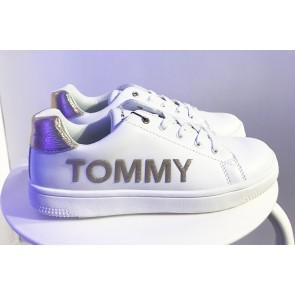 Tommy Hilfiger kids girls low cut lace up sneaker in de kleur wit/goud